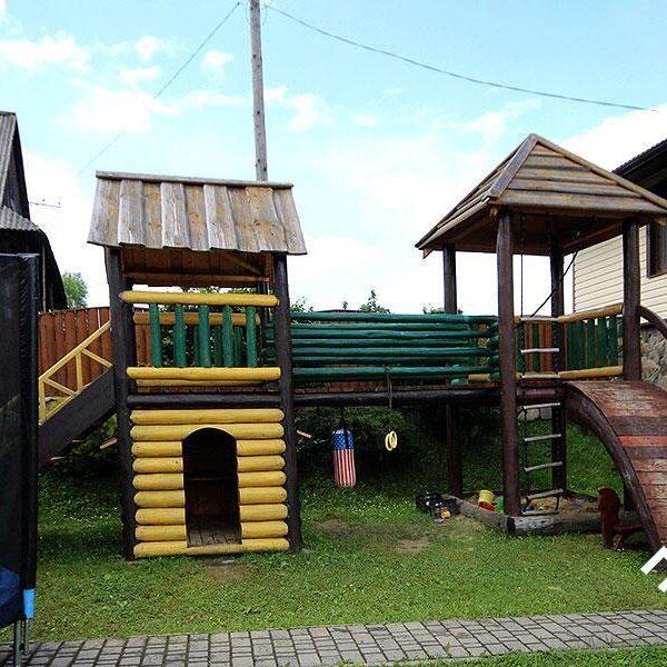 Дитячий майданчик для ваших дітей в садибі «Гірський світанок»