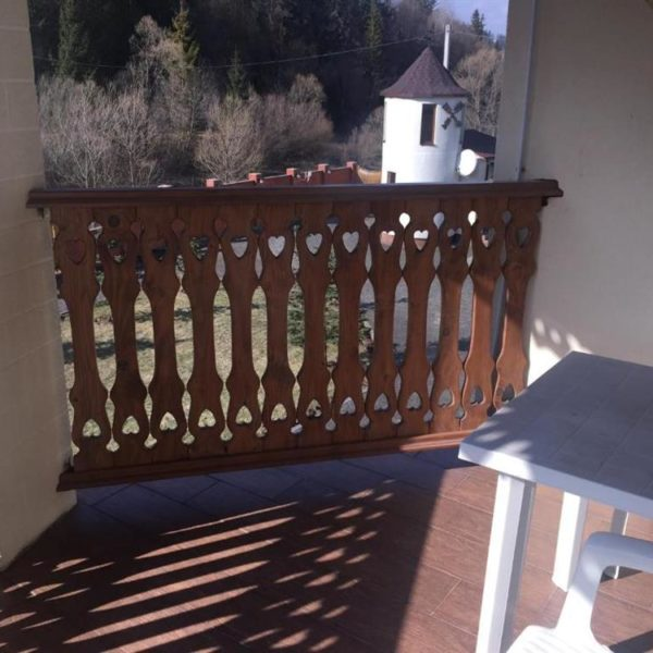 Сонячна тераса в готелі Золота ПІдкова Славське