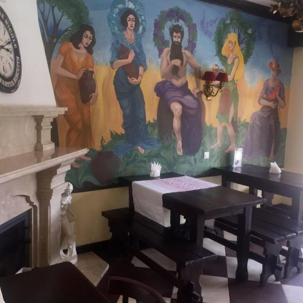 Столи для обіду в готелі Золота Підкова Славське