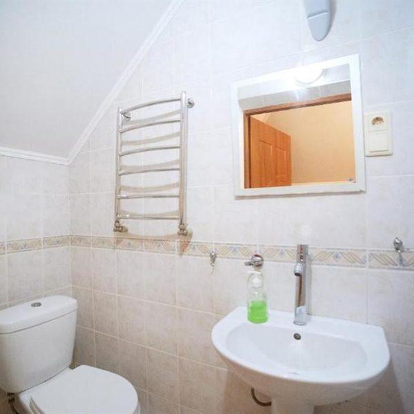 Удобная ванная комната 12 месяцев коттедж Май Июнь