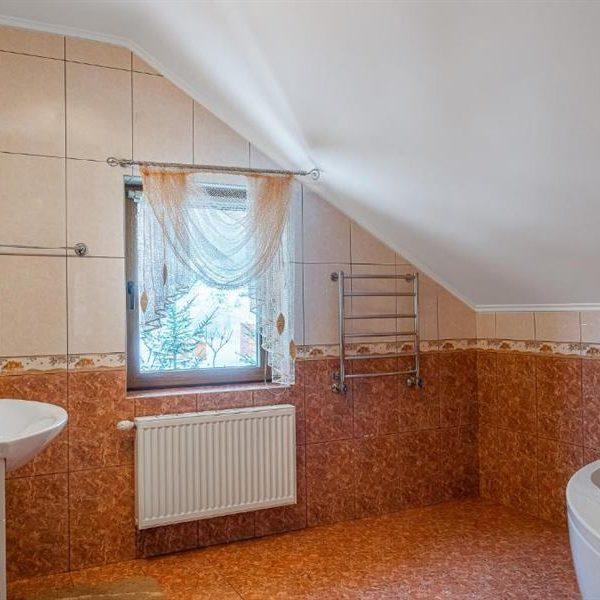 ванна кімната вілла Альпійка