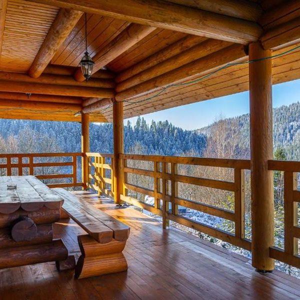 краєвиди засніжений ліс Славське котедж вілла Альпійка