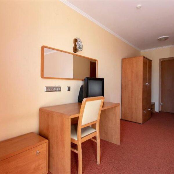 Робоче місце в номері готель Терем