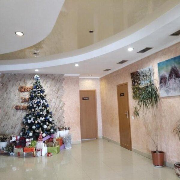 Новорічний хол готелю Терем Славське
