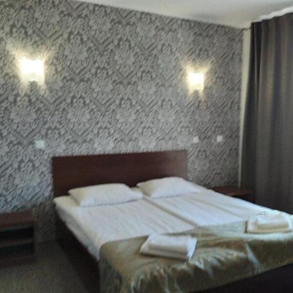 Уютная теплая кровать в отеле Терем