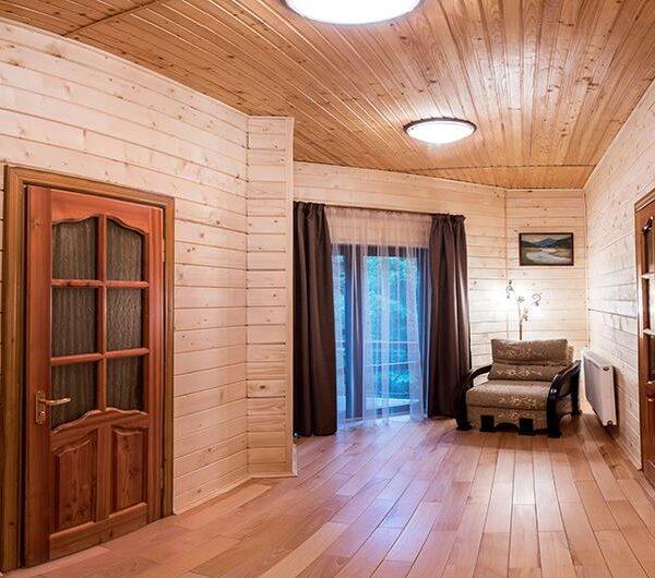 Панорамные окна в доме «Лісовий маєток»