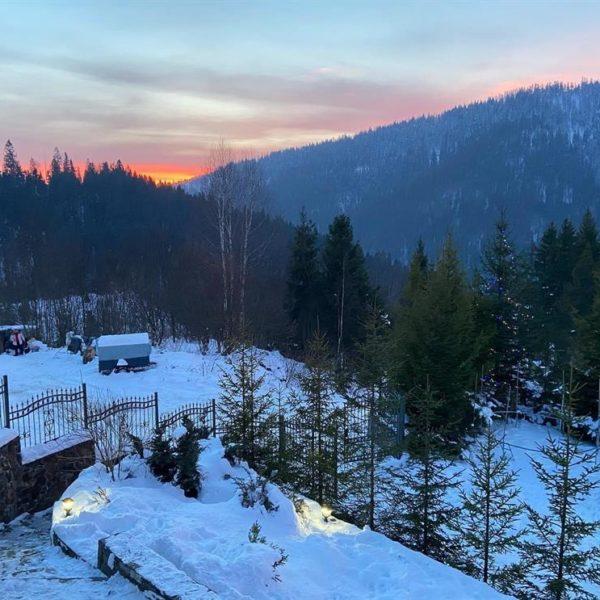 красивый вид на горы Славское Альпийка