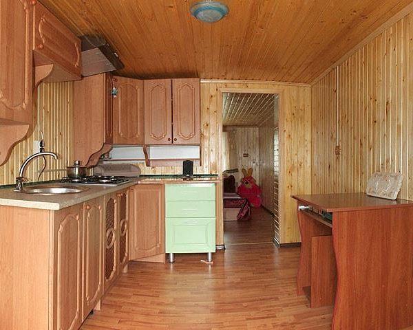 Кухня в готелі Аура Карпат