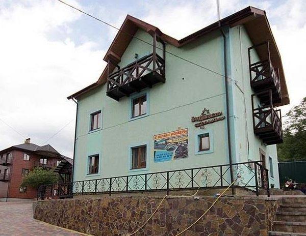 Великий будинок в готелі Аура Карпат