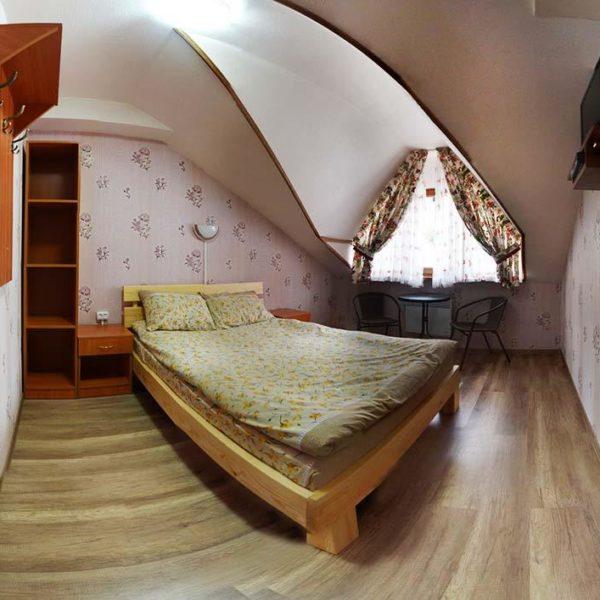 спальня в коттедже Июнь Славское