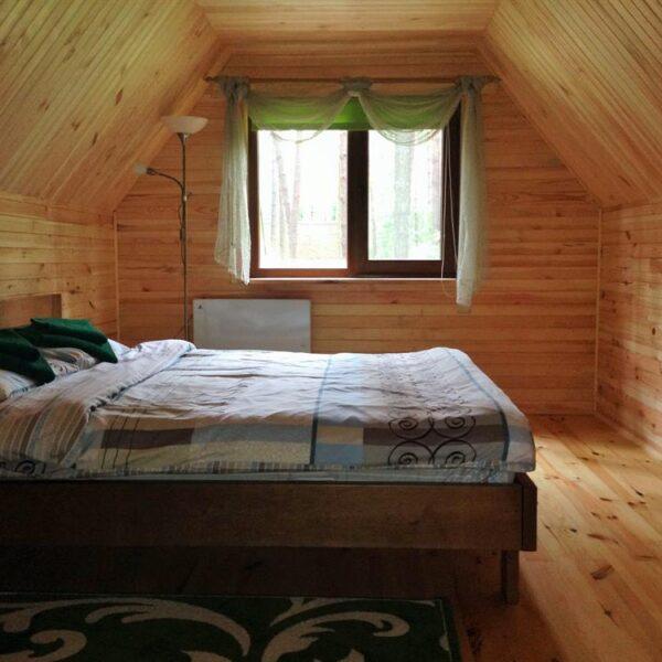 Велике ліжко в номері санаторій Пролісок