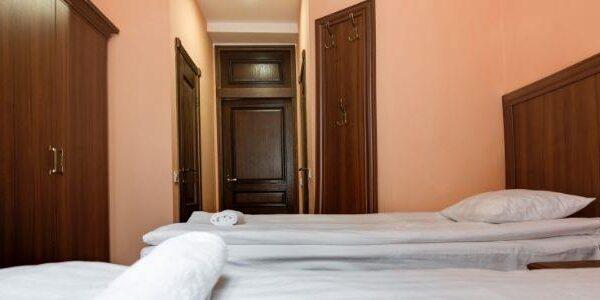 Односпальні ліжка в санаторії Лаяр Палас