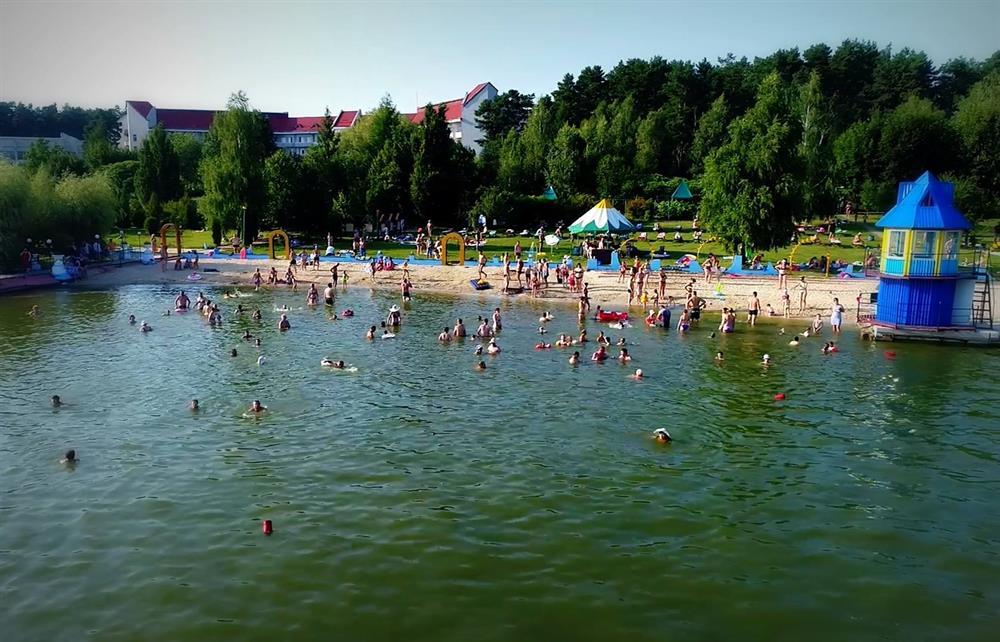 Пляж в санатории Червона Калина