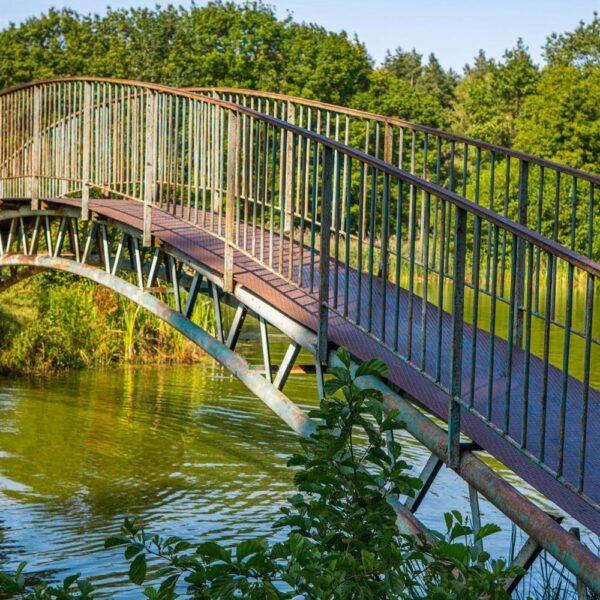 Міст в санаторії Шкло