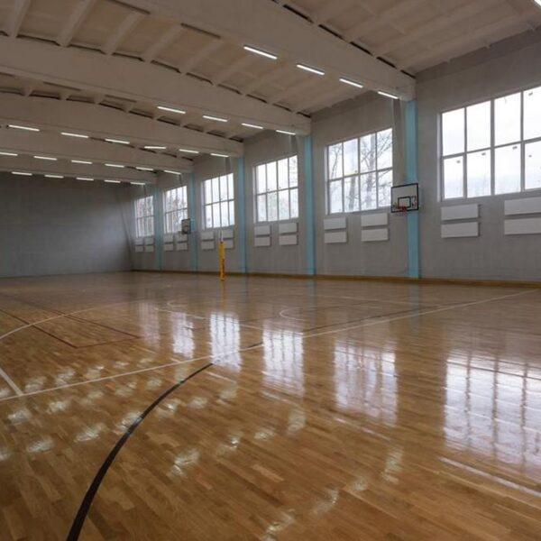 Великий спортивний зал в санаторії Лаяр Палас