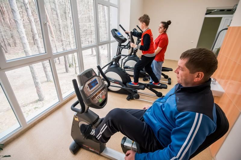 Физкультура в спортзале санатория Пролисок