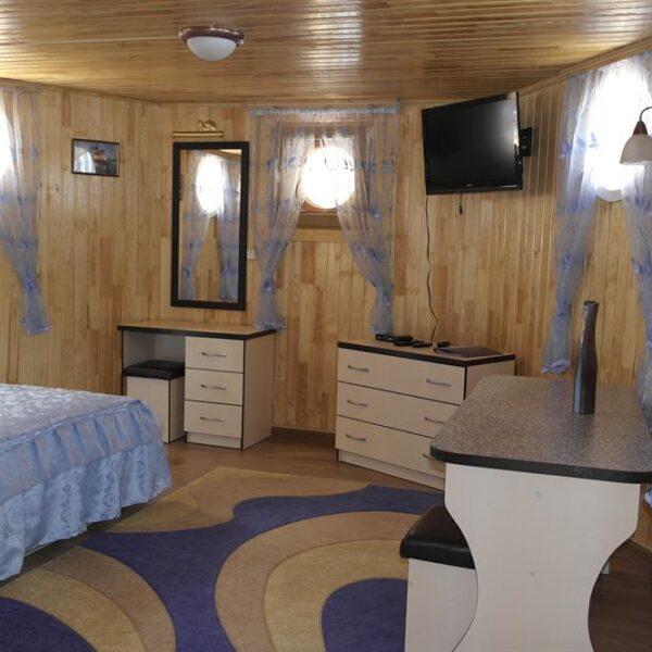 Просторная комната в санатории Червона Калина
