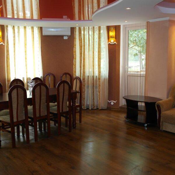 Вітальня в будинку санаторій Червона Калина