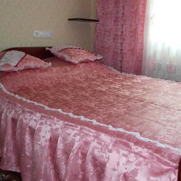 Двоспальная кровать санаторий Червона Калина номер