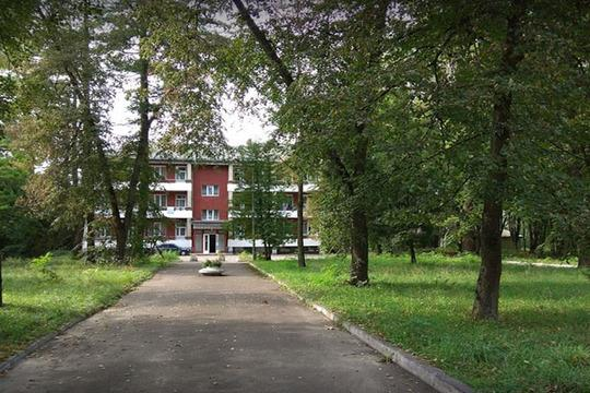 Зеленая территория санатория Шкло